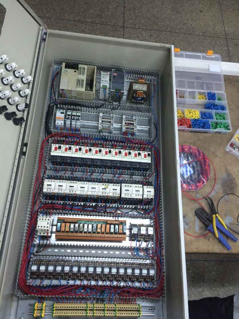 Armoire Automate 03